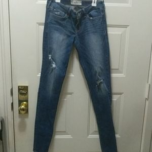 Size 5 long Hollister distressed women skinny jean